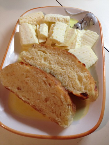 pane al formaggio,pane morbido al formaggio