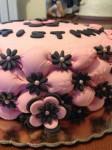 Torta compleanno, torta rosa e nero,