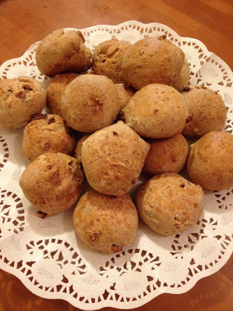 Panini con farina integrale e noci