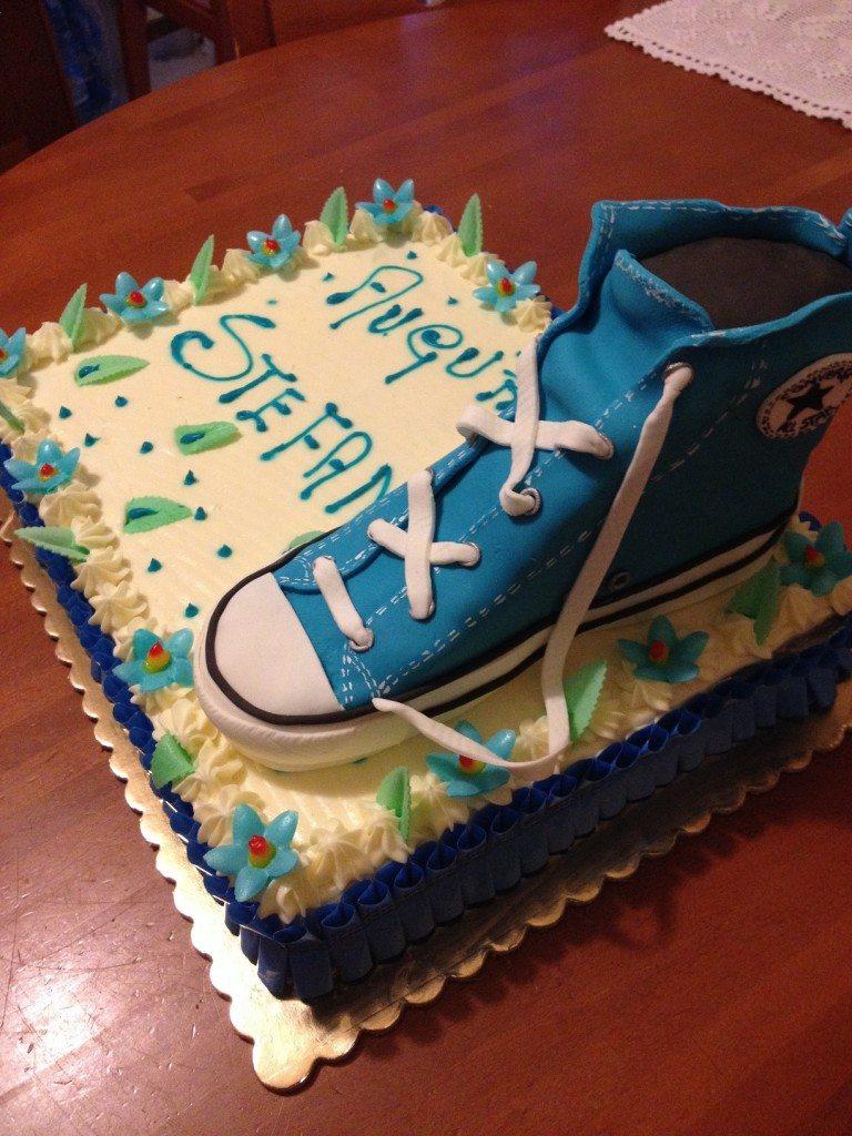Torta con scarpa Converse