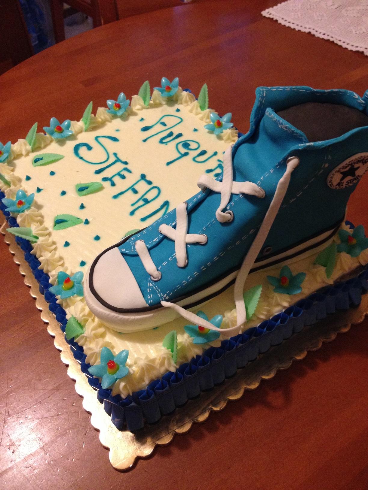 Torta con scarpa Converse | Paola e le torte