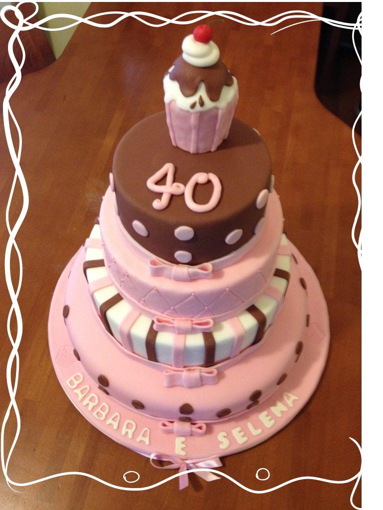 Torta con cupcake
