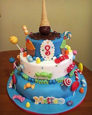 Torta con le caramelle o candy cake