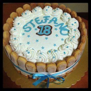 Torta 18 Anni Con Panna Paola E Le Torte