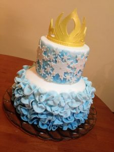 Torta Frozen con corona