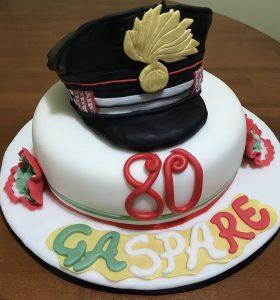 Torta con cappello carabiniere