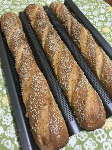 Baguette di semola con semi di sesamo